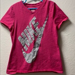 Girls pink nike shirt